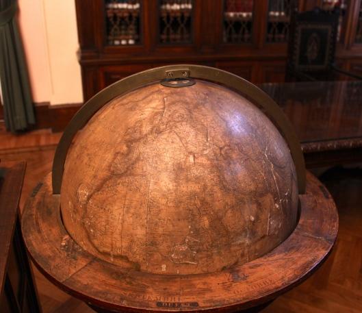 Ministero Marina Roma Globe
