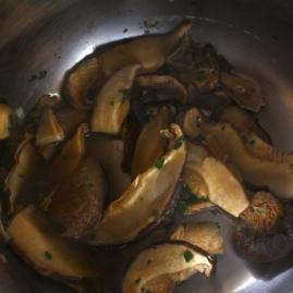 Fettuccine fonduta parmigiano e funghi