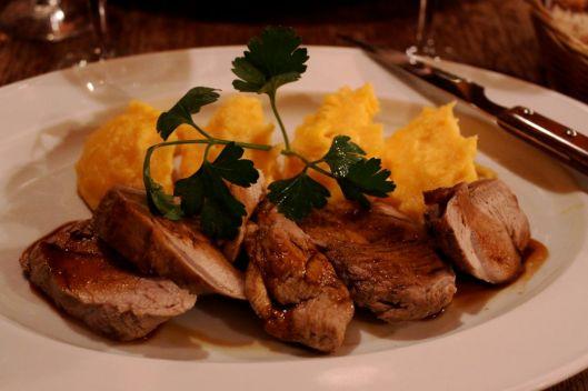 Mignon de porc, miel, soja au thym et sa purée de carottes